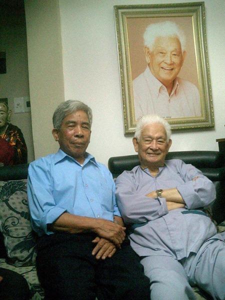 8. Nhac si Pham Duy - Toila nguoi dau tien mang Chuyen ke nam2000 sang My