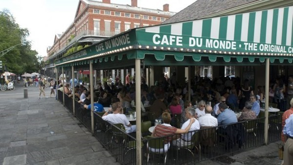 Cafe-Du-Monde. New Orleans_thumb